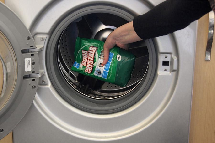 3 cách vệ sinh máy giặt Toshiba bị cặn bẩn tại nhà đơn giản & nhanh chóng