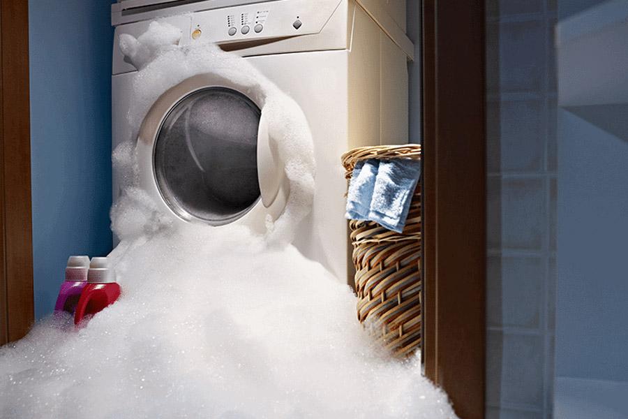 Vì sao máy giặt Toshiba bị trào bọt ra ngoài?
